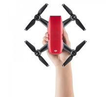 фото квадрокоптера DJI SPARK Lava Red (EU) в руке