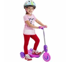 Электросамокат Razor Lilˆ E Pink вид спереди сбоку с ребенком