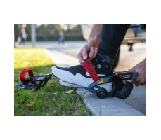 фото в работе электроролики на обувь Razor Turbo Jetts