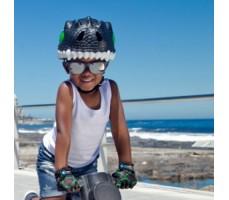 фото шлема Crazy Safety Black Dragon 2017 на голове у мальчика спереди