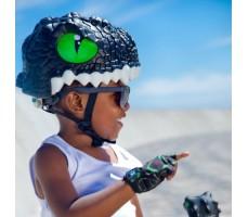 фото шлема Crazy Safety Black Dragon 2017 на голове у мальчика сбоку