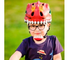 фото шлема Crazy Safety Chinese Dragon 2017 Red на голове у мальчика спереди