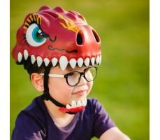 фото шлема Crazy Safety Chinese Dragon 2017 Red на голове у мальчика сбоку
