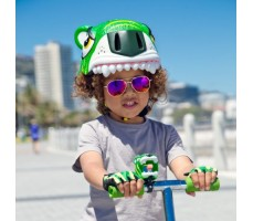 фото шлема Crazy Safety Green Tiger 2017 на голове у девочки спереди