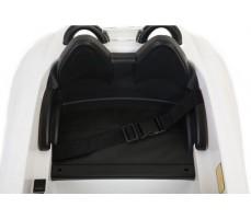 Фото сидений электромобиля Mercedes-Benz SRL McLaren Silver