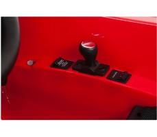 Фото элементов управления электромобиля Mercedes-Benz SRL McLaren Red