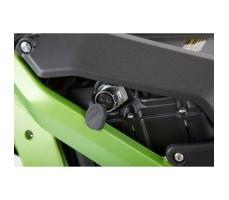 Фото гнезда зарядки аккумулятора электробайка SUR-RON X Green