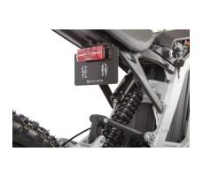 Фото задних ходовых огней электробайка SUR-RON X White