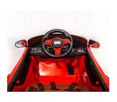 фото руля и передней панели электромобиля Barty Porsche Sport М777МР Red