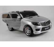 Фото электромобиля Joy Automatic Mercedes Benz ML63 AMG  LUXE Silver c открытыми дверьми