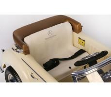 Электромобиль Mercedes-Benz 300S Beige сиденье