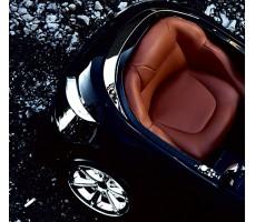Фото кожаного сиденья электромобиля HENES Phantom Premium Black