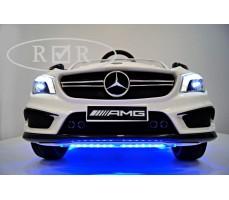Фото решетки радиатора с AMG эмблемой электромобиля Mercedes-Benz CLA45 A777AA White