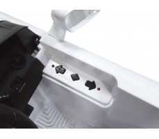 Фото кнопок управления электромобиля Rastar Mercedes-Benz SLK White
