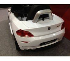Фото электромобиля Rastar BMW Z4 White вид сзади