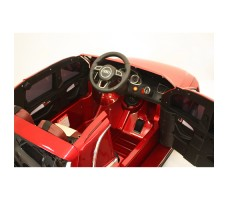 Фото электромобиля River Toys AUDI Q5 Red вид из кабины