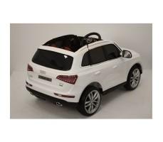 Фото электромобиля River Toys AUDI Q5 White вид сзади