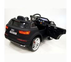 фото детского электромобиля RiverToys Audi Q7 Quattro Black сзади