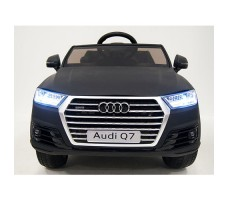 фото детского электромобиля RiverToys Audi Q7 Quattro Black спереди