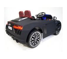 фото детского электромобиля RiverToys Audi R8 Black сзади