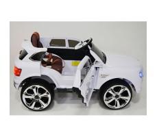 фото детского электромобиля RiverToys Bentley E777KX White сбоку