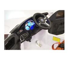 фото руля и панели приборов детского электромобиля RiverToys BMW E002KX White