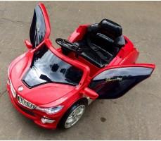 Фото электромобиля RiverToys BMW O002OO Red с открытыми дверьми