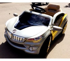 Фото электромобиля RiverToys BMW O002OO Silver вид спереди
