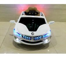 Фото электромобиля RiverToys BMW O002OO вид спереди