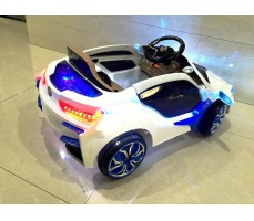 Фото электромобиля RiverToys BMW O002OO вид сзади