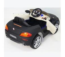 фото детского электромобиля RiverToys BMW P333BP Black сзади