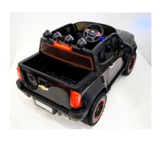 Фото электромобиля River Toys Chevrolet X111XX Black вид сзади
