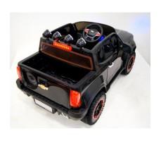 Фото электромобиля River Toys Chevrolet X111XX Black вид сзади