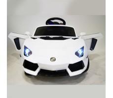 фото детского электромобиля RiverToys Е002ЕЕ White спереди
