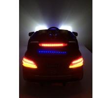 Фото световых эффектов электромобиля Mercedes E009KX Red