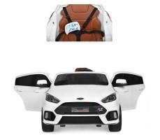 фото электромобиля FORD FOCUS RS White вид спереди и фото сидения FORD FOCUS RS White