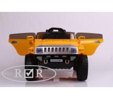 Фото электромобиля RiverToys Hummer A888MP Yellow с открытыми дверьми