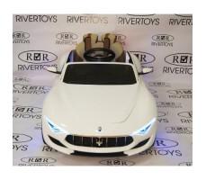 Фото электромобиля River Toys Maserati A005AA White вид спереди