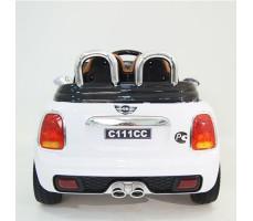 фото детского электромобиля RiverToys Mini Cooper C111CC White сзади