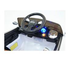 фото руля и передней панели  детского электромобиля RiverToys Mini Cooper C111CC White