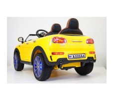 Электромобиль River Toys MiniCooper A222AA Yellow вид сзади