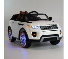 Фото электромобиля River Toys Range O007OO VIP White вид спереди с подсветкой