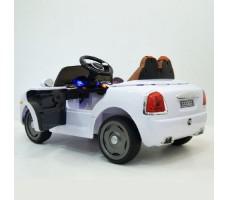 фото детского электромобиля RiverToys RollsRoyce C333CC White сзади