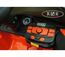 Фото панели управления электромобиля RiverToys BMW T004TT Red