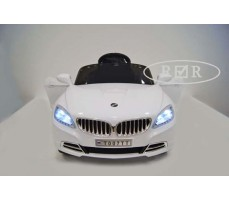 Фото электромобиля RiverToys BMW T004TT White вид спереди