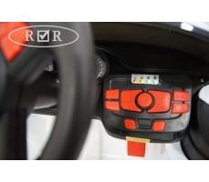 Фото панели управления электромобиля RiverToys BMW T004TT White