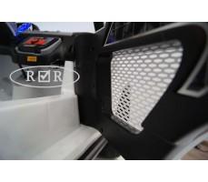 Фото открытой двери электромобиля RiverToys BMW T005TT White