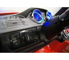 Фото приборной панели электромобиля RiverToys BMW T005TT Red