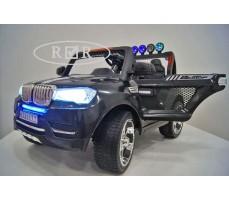 Фото электромобиля RiverToys BMW T005TT Black с открытыми дверьми