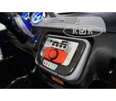 Фото панели управления электромобиля RiverToys BMW T005TT Black